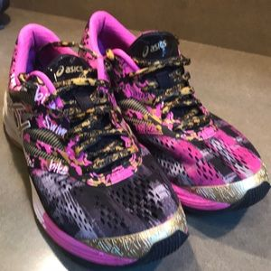 Asics Women's GEL-Noosa Tri 10 Shoes. Size 7 1/2